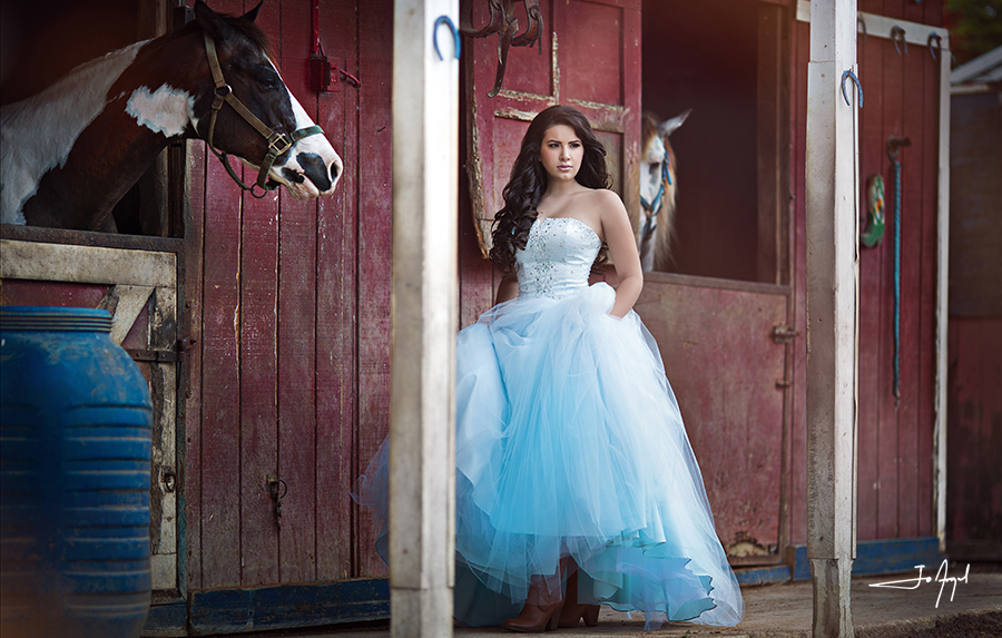 quinceañera-barn-photoshoot-1