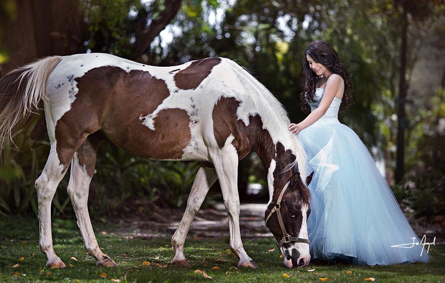 quinceañera-barn-photoshoot-4