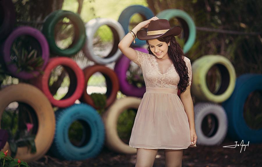 quinceañera-barn-photoshoot-6