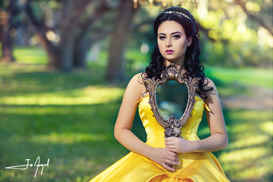 Beauty-and-the-Beast-Quince-Photoshoot-05